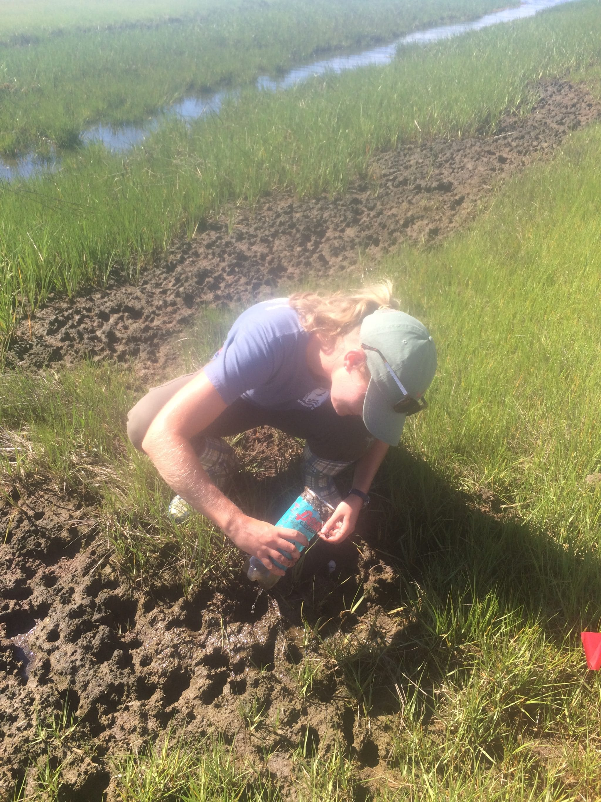 Carefully checking cans for trapped crabs (watch your fingers!)